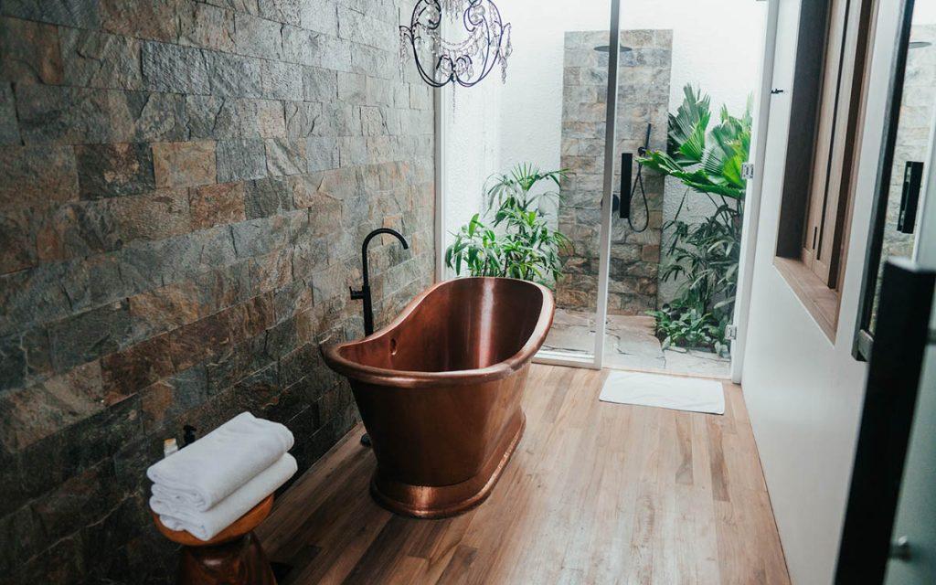 bathroom beach-style design