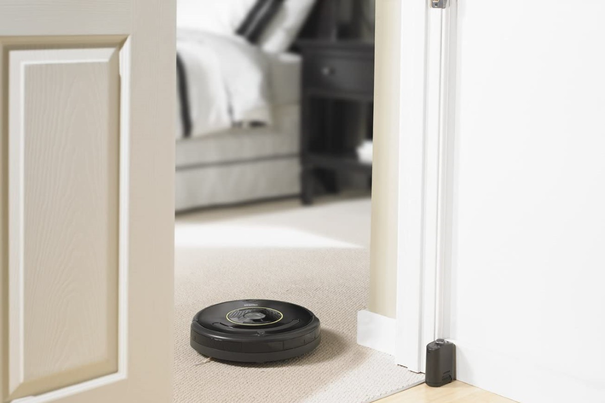 Pros and Cons of a Roomba Vacuum
